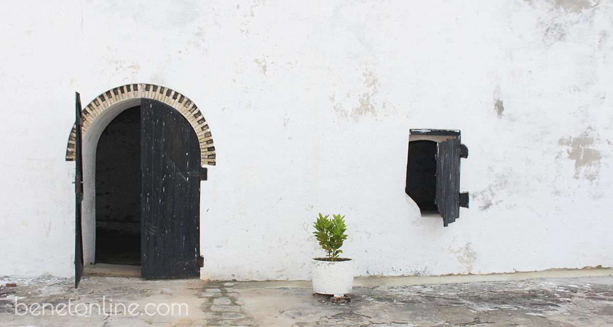 Minimalist Beauty, Elmina Slave Castle